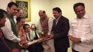 _dilip_kumar_honoured_with_padma_vibhushan__640x360_bjprajnathsingh_nocredit
