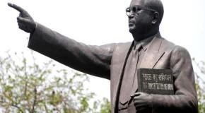 डॉ. अंबेडकर का  स्मारक  बनवायेंगे अखिलेश यादव