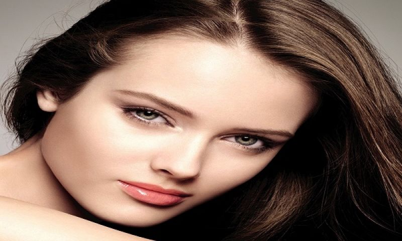 beautiful-women-pictures-wallpaper_5773229b74354