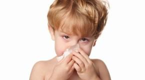 बरसात के मौसम में हो रही है बच्चों को  एलर्जी, कहीं कारण ये तो नही