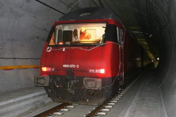 rail-surang-train-c