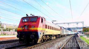 होली से पहले ट्रेनों में लम्बी वेटिंग, अब स्पेशल ट्रेनों में ही मिल सकती हैं सीटें