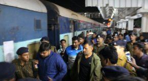 झारखंड टीम के साथ 13 साल बाद धोनी ने किया ट्रेन का सफर