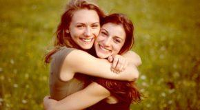 जानिए, कैसे अच्छा दोस्त बनता है अपके मुश्किलों का साथी